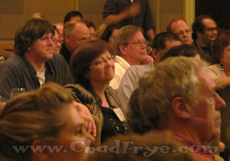 """Peter Gallagher (""""Heathcliff""""), Patti Pomeroy (part of the """"B.C."""" team) and Greg Walker (""""Hi & Lois"""" and """"Beetle Bailey"""") among the many in the room."""